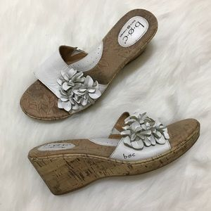 Born B.O.C White Floral Wedge Sandals